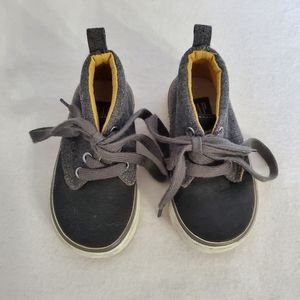 Gap Baby Shoes Size 5 Grey